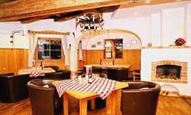 Loungebereich im Sportclub Kitzsteinhorn