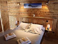 Schlafzimmer im Chalet direkt an der Piste