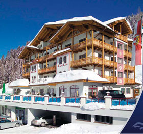 Unterkunft: Familienhotel Schneehaus -...